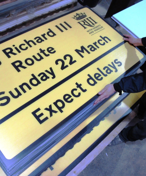 Tempoary printed correx road signs